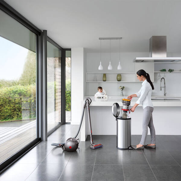 Dyson Big Ball Multi Floor 2 / Bodenstaubsauger, beutellos / EEK: A